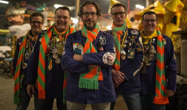 Redactieraad samen met Joost (van links naar rechts): Jan Smulders, Frans Jan Bertens, Joost van der Werf, Patrick Stalpers, Thijs van der Bruggen.foto: Carnavalsstichting Tilburg