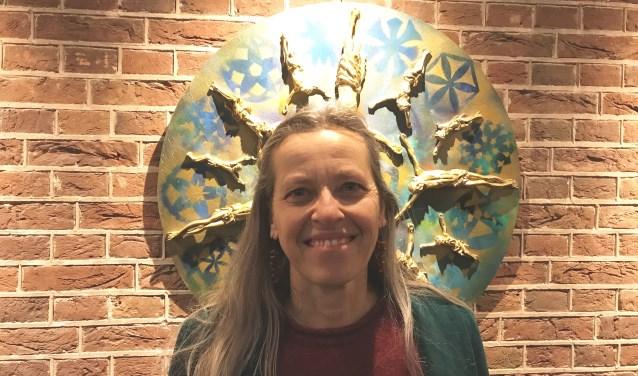 Anita Couwenbergh verwerkte tweedehands kruisbeelden in een diversiteit aan kunstwerken