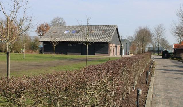 Op de locatie van de Rode Beer in Wapenveld wordt binnenkort gestart met de plaatsing van een tiental units voor het project Wijlanderij.