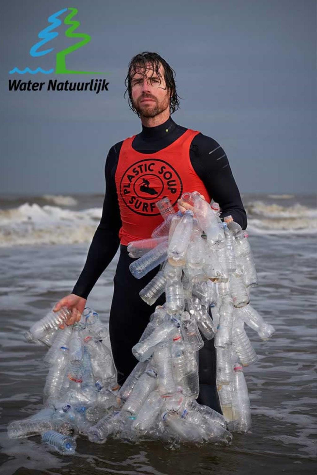 Plastic soup surfer Merijn Tinga  © Persgroep