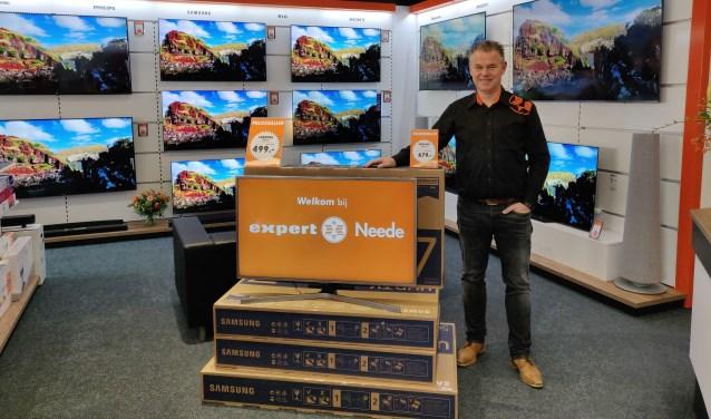 Eigenaar Ard Eijsink is helemaal tevreden met zijn nieuweExpert-winkel