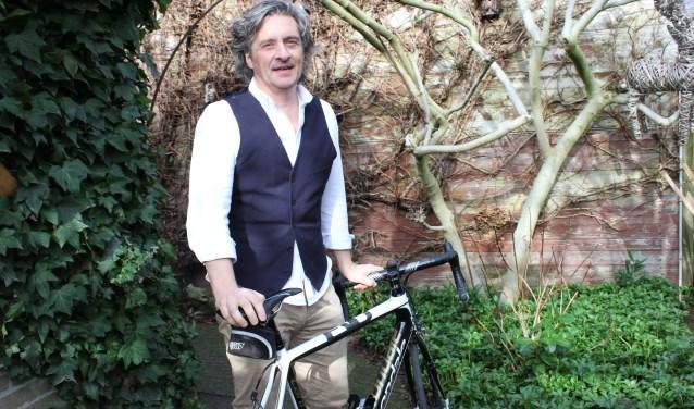 Anton Minkels schreef het boek 'Gewoon Beginnen' over zijn avonturen op de fiets voor ALS. Foto: Wendy van Lijssel