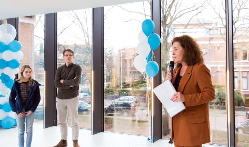 Minister Van Engelshoven tijdens de opening van het nieuwe VCL.