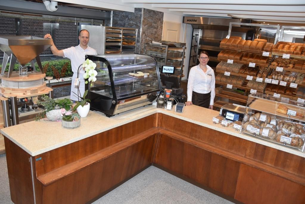 De nieuwe bakkerij met molen in de winkel. Foto: Wim Broekman © Persgroep