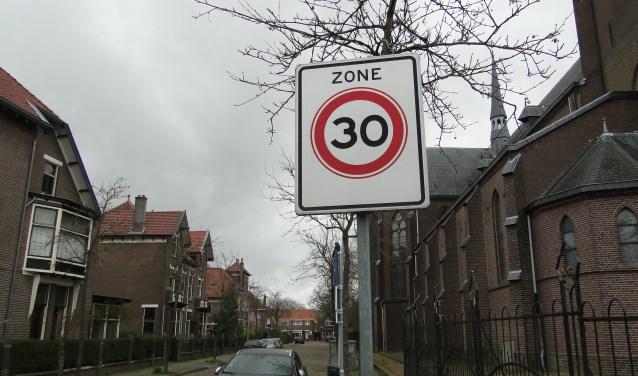 30 kilometer is in een woonwijk hard genoeg, vinden inwoners van Kootwijkerbroek.