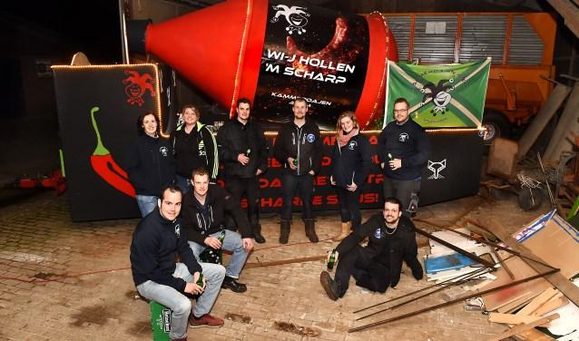 Vriendengroep Azewijn-Netterden: Rens Lizzy, Sanne, Rico, Henk-Jan, Jeroen, Bob, Chantal en Bart. (foto: Roel Kleinpenning)