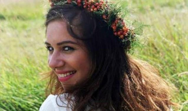 Lisa Brandt (20) gaat op zondag 7 april in haar woonplaats Borculo een workshop paaskrans maken verzorgen.