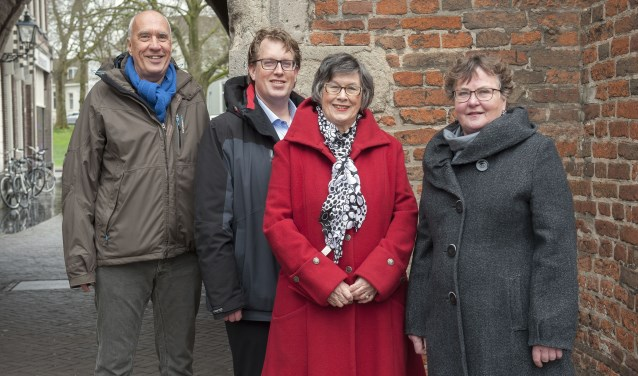 Van links af Albert Oosterveld, Edo Brinksma, Daatje Weegenaar en Hilly van den Hof.