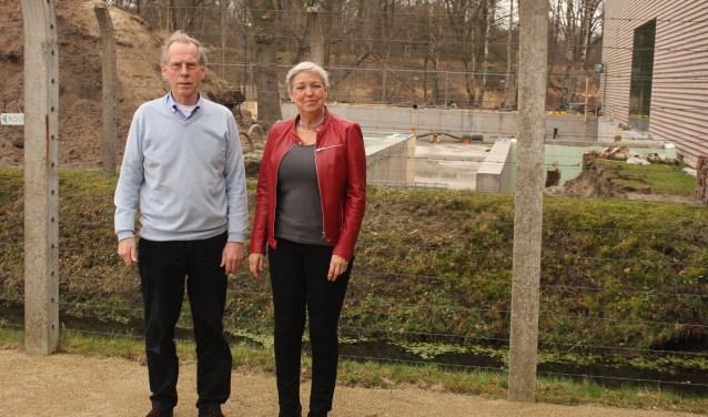 De betrokken vrijwilligers Ben Vrieling en Annemieke Kamoschinsky dragen graag hun steentje bij door een benefietconcert te organiseren voor de uitbreiding van het Nationaal Monument Kamp Vught.