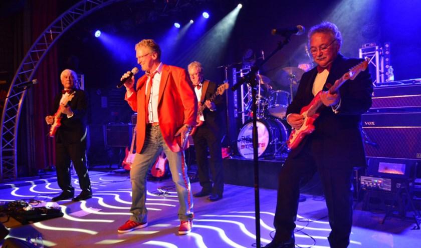 De Red Strats (Cliff en The Shadows tributeband) bestaan uit TOP-muzikanten!