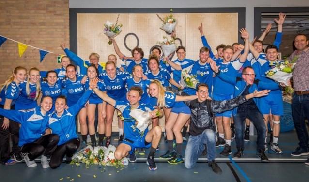 Beide ploegen werden kampioen. (Foto: Privé)