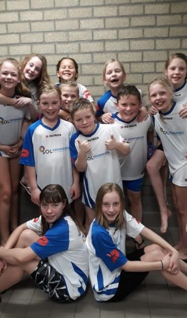 Twee teams van SOL Admiraal-Krommeweg op het podium bij het schoolzwemkampioenschap 2019.