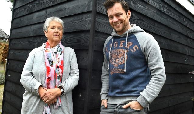 Ciska Wynia en Udo Klompenhouwer, schrijvers toneelstuk 'Tante Leen'. (foto: Roel Kleinpenning)