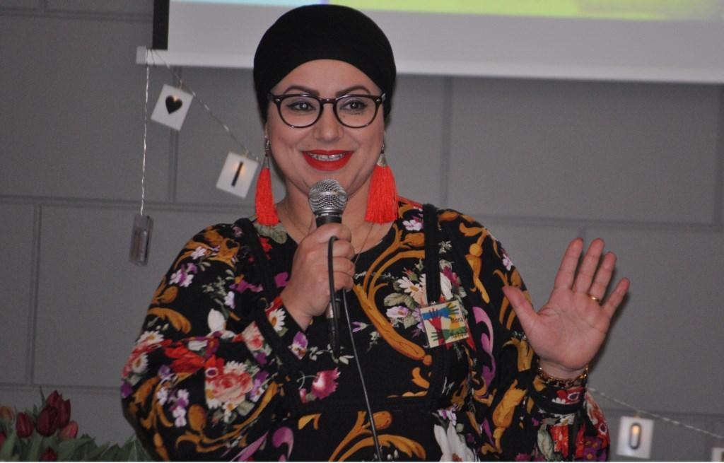presentatrice vd dag Mona Haloul Foto: Thessa v Helden © Persgroep