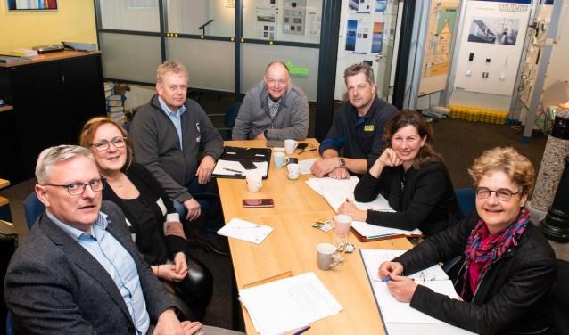 Een deel van het bestuur van de Bedrijvenkring Gemeente Epe (BGE). (foto: Dennis Dekker)