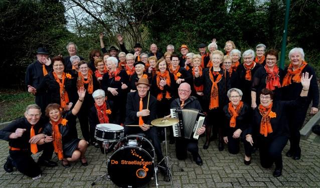 De Straetlappen zijn met ruim zestig leden niet meer weg te denken uit Mill. (foto: Tom Oosthout)