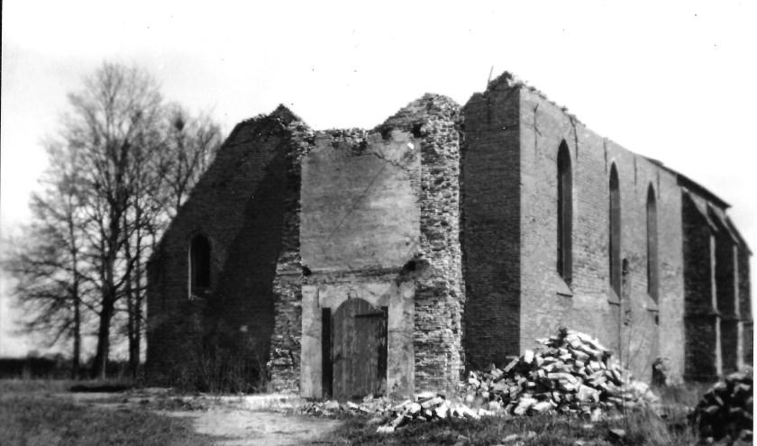 Gebombardeerde NH Kerk te Angerlo