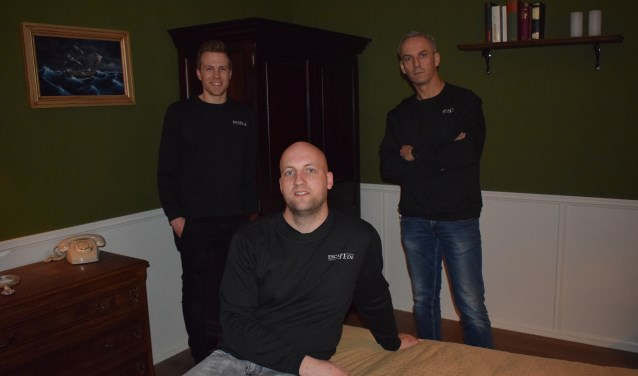 De drie eigenaren van Escape Ede in het decor. Links Mark Janssen, rechts Nico Calandra en op de voorgrond Daniël Modderkolk.