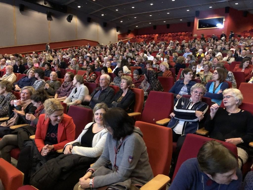 Bijna het hele Expotheater van Pathé gevuld bij Movie and More. Foto: Soroptimjst Club Ede © Persgroep