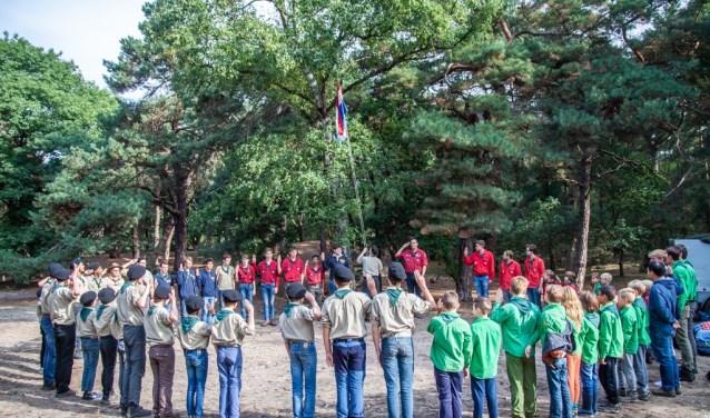 Diverse scoutinggroepen laten zien wat er bij hun allemaal gebeurt. (Foto: Jasper Scheffers).