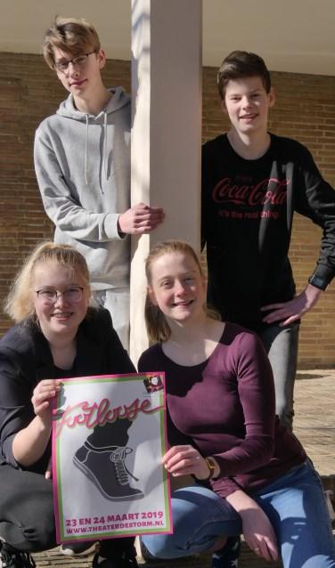 Rutger de Goede, Jurre Huls, Margo Mateman en Sophie de Goede spelen mee in 'de swingende dansmusical Footloose die Harlekijn op 23 en 24 maart in Theater De Storm op de planken brengt.