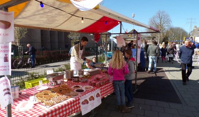 De markt is op de vaste locatie bij de Rehobothkerk ter hoogte van het winkelcentrum aan de Planetenlaan in Nieuw Lekkerland. (Foto: Privé)