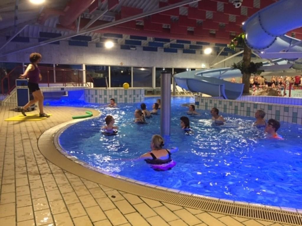 Aerobics lekker swingen in het water.  © Persgroep