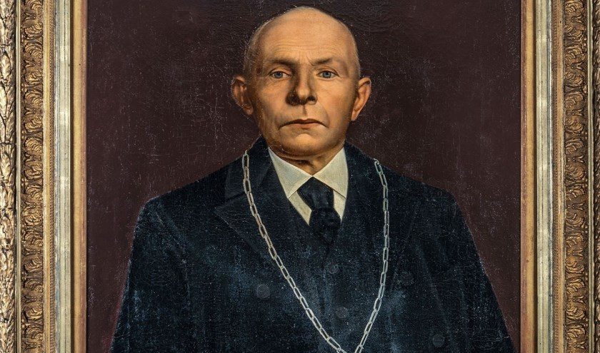 Het portret van burgemeester Izak Buijs, geschonken door de gemeenteraad van Herpt. Foto: Paul Engelkes