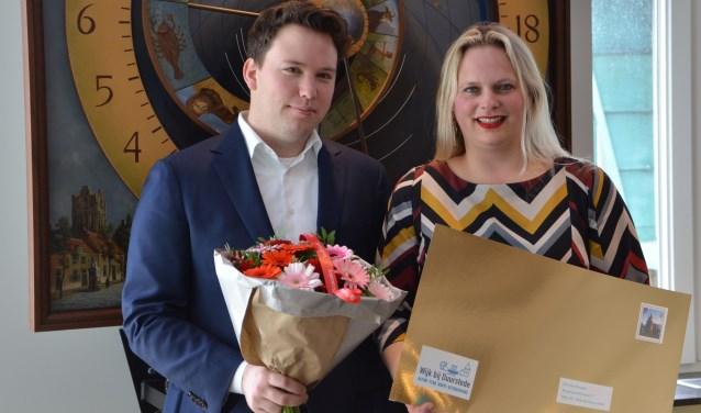 Initiatiefnemer Niek van Staaden en raadsgriffier Marcella van Esterik hebben veel werk zitten in de voorbereiding van het burgerpanel.
