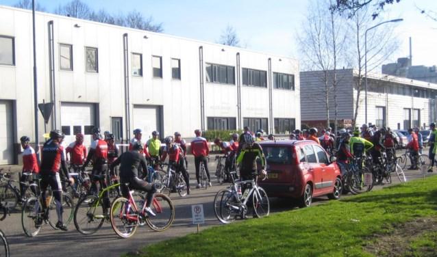 De start van de Veluviatocht is bij het clubhuis van Toerclub Wageningen.