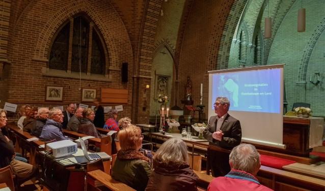 Lezing en presentatie over kruiswegstaties in Herberg de Aandacht in Heteren