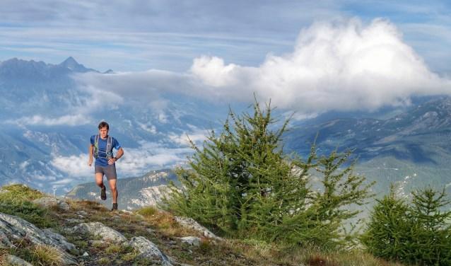 Roman Packbier tijdens een van zijn lange trails in de betoverende natuur van het Italiaanse Val d'Osta.
