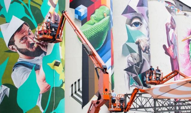 Het opfleuren van de graansilo's was een idee van Kings of Colors en een gigantisch voorbeeld van 'street art'. Foto: Marcel Kouwenberg