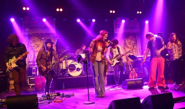 De Doetinchemse Topsporthal is 12 mei het decor van Woodstock 50th Anniversary Tribute Tour.