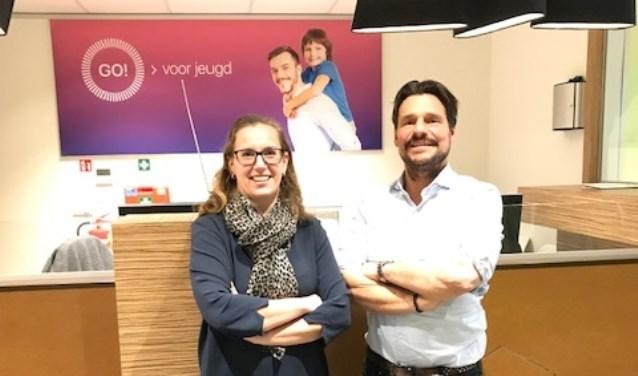 Sociaal makelaar Mariska Wens en directeur Dennis de Roo kijken tevreden terug op het afgelopen jaar van GO! voor jeugd.