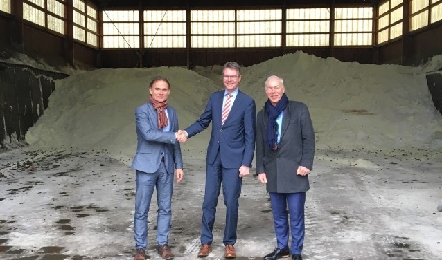 V.l.n.r. Henri Schimmel (BPD), wethouder Wim Willems, Gerrit Nikkels (Nikkels)