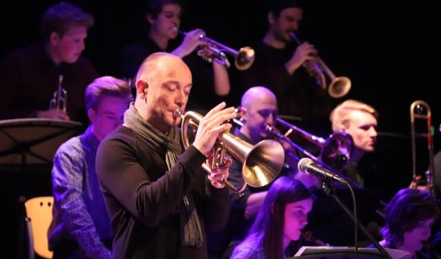 Jan van Duikeren kon goed samenspelen met de HKU Jazzband van Culemborger Ilja Reijngoud.
