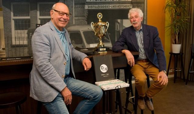 Gebroeders Ruud en Frans zijn heel benieuwd wie dit jaar met de wisseltrofee naar huis gaat. (Foto: Maaike van Helmond)