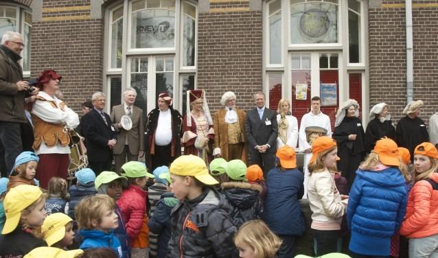 Toenmalige MUBO-voorzitter Jan van Homelen houdt de openingsspeech op 14 maart 2014. Meer over MUBO: www.muboboxtel.nl.