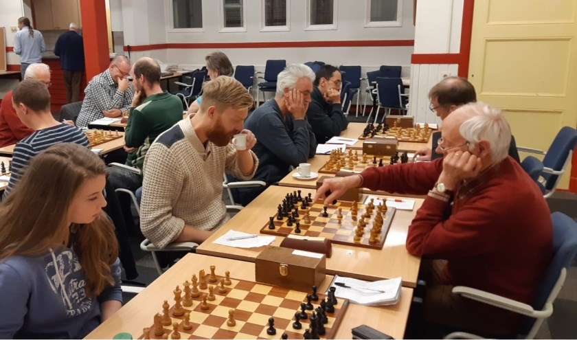 De wedstrijd begon rustig, nergens problemen voor de Bennekommers en er waren zelfs al wat voordeeltjes aan de horizon verschenen.