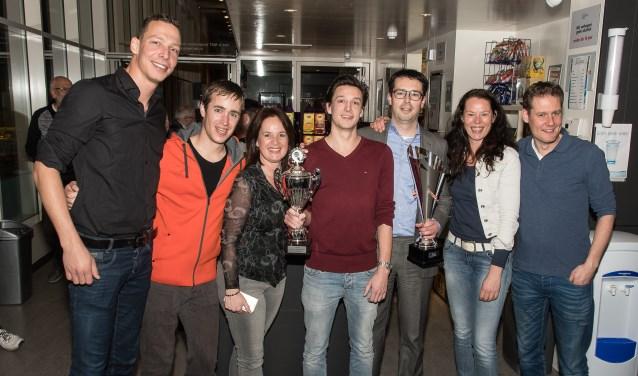 Het gewonnen team, mét beker! (Foto: pr)