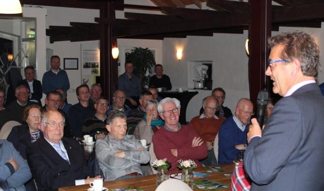 Kandidaat Hans van Ark stond voor een volle zaal op de verkiezingsbijeenkomst van het CDA in Wapenveld.