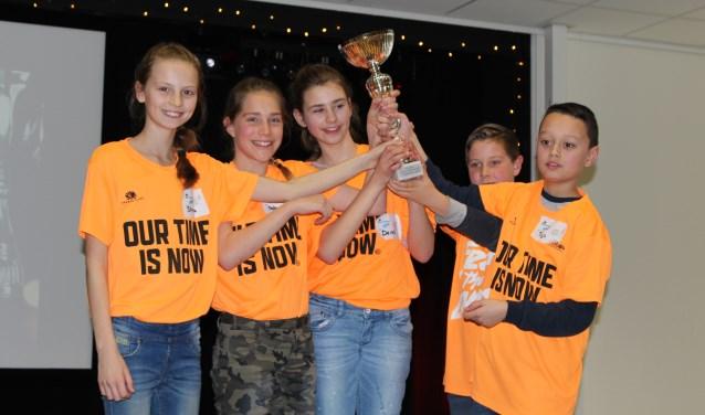 De winnaars van het eerste Junior Debattoernooi Zoetermeer