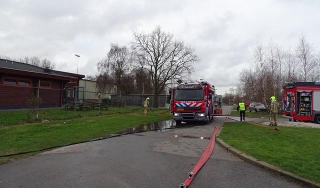 Rond 08.00 uur kon de brandweer alweer starten met het inpakken van alle spullen. (Foto: G. Verver)