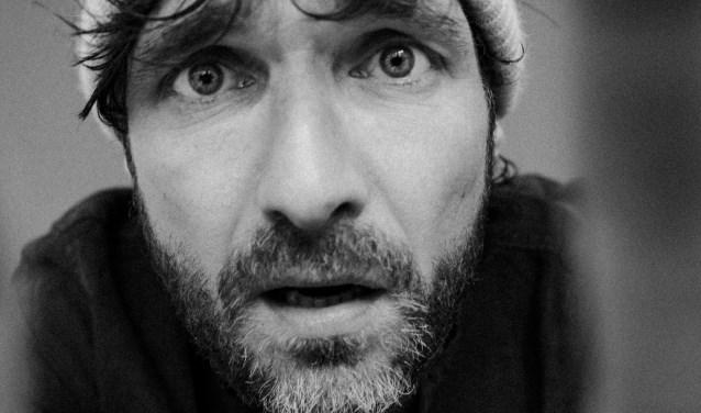 Javier Guzman komt op donderdag 4 april weer naar theater De Kappen.