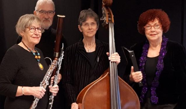 De muzikanten van het Landu-trio, met vlnr Els en Pieter Langendijk en Wilda van Drunen, aangevuld met alt-mezzo Joke Wolters.