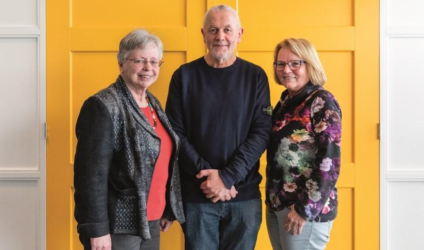 Voorzitter Rieky vormt samen met secretaris Dona ter Beek en penningmeester Martien Swanenberg het bestuur. Foto: Edith Verhoeven