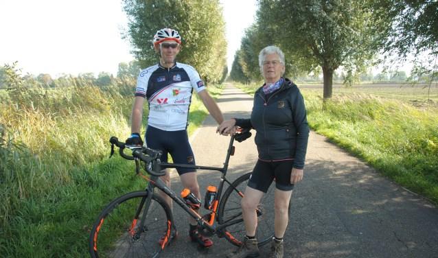 Piet en Maja de Cloe organiseren verschillende sponsoracties in aanloop naar Alpe d'HuZes. Te beginnen met 'Strada Bianche Waspik'.