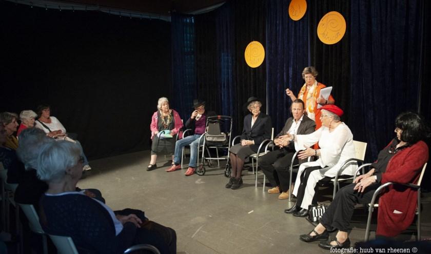 Praten met Patricia is hilarisch, komisch en soms confronterend theater speciaal voor en door ouderen.