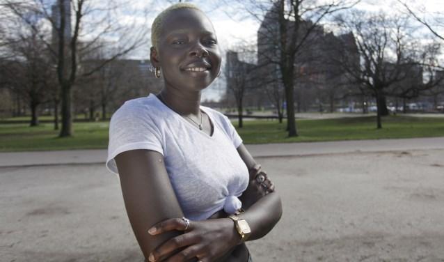 Achok reist voor haar werk de hele wereld over. Maar als ze even terug is, kan ze optimaal genieten van haar geboortestad.